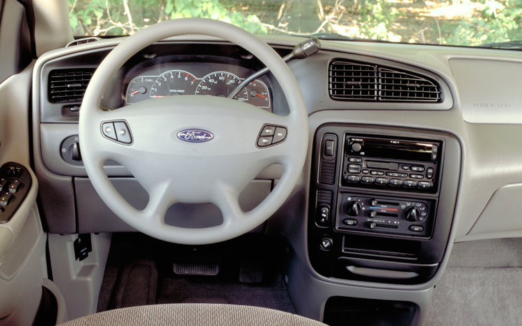 2001 Ford Windstar #18
