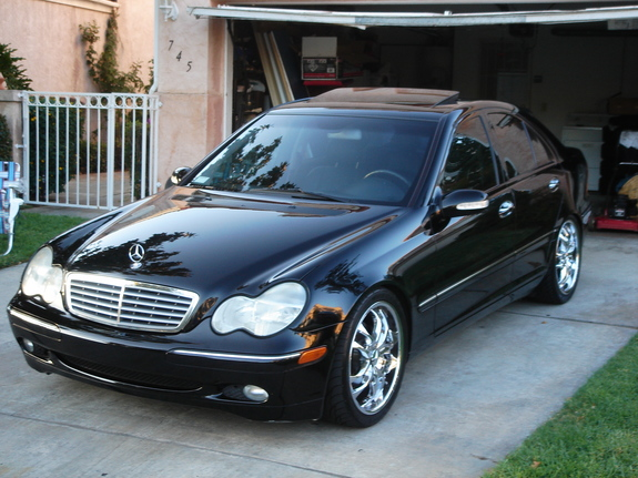2001 mercedes benz c class photos informations articles. Black Bedroom Furniture Sets. Home Design Ideas