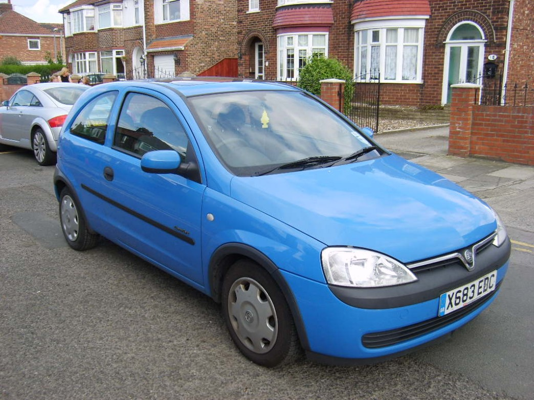 2001 vauxhall corsa photos informations articles. Black Bedroom Furniture Sets. Home Design Ideas