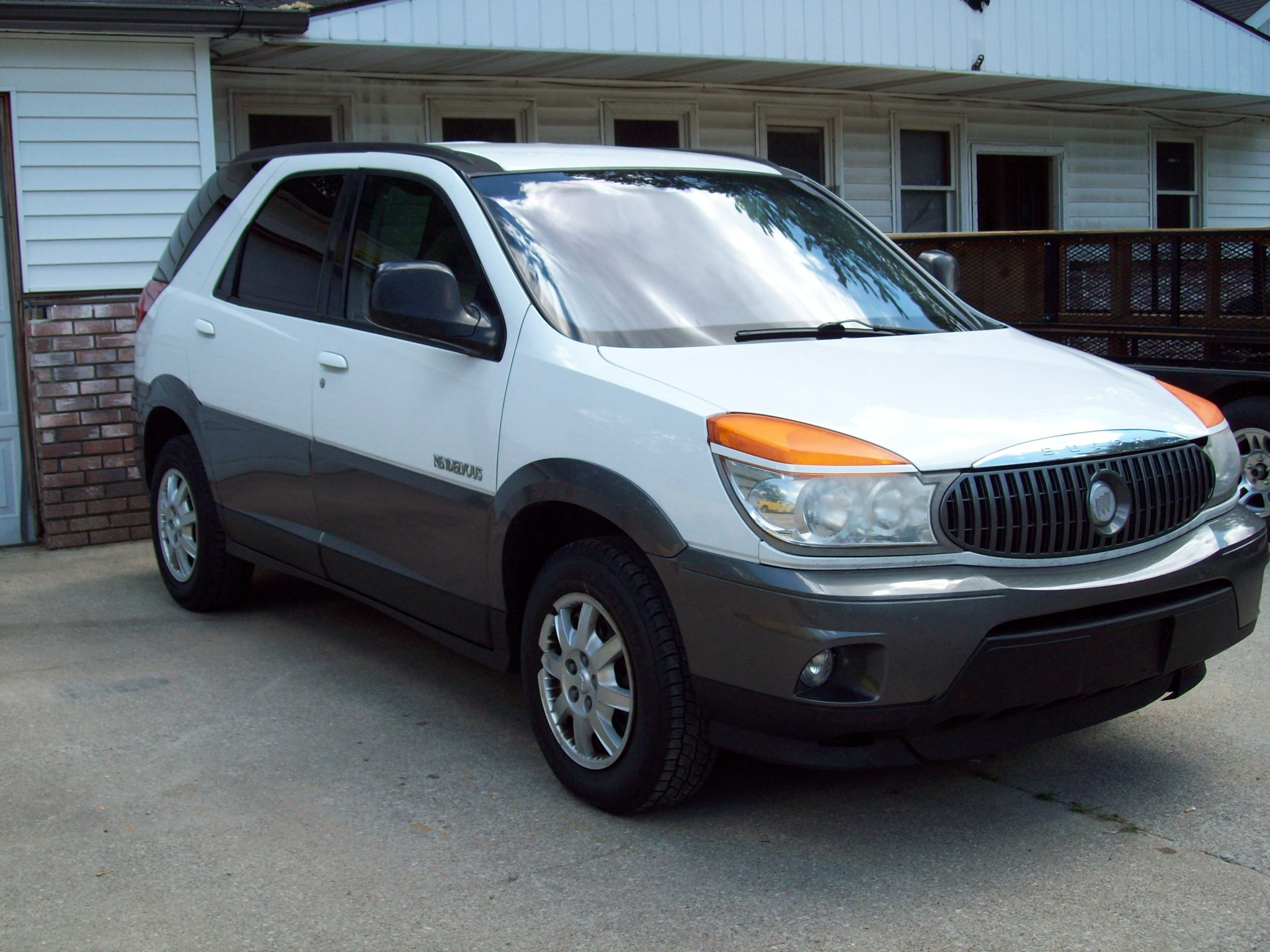 2002 buick rendezvous photos informations articles. Black Bedroom Furniture Sets. Home Design Ideas