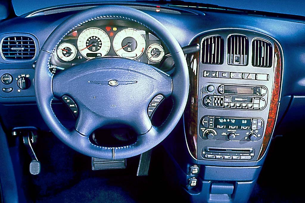 2002 Chrysler Town And Country #17