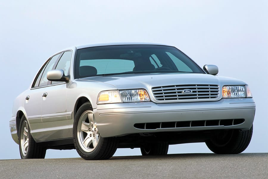 2002 Ford Crown Victoria #24