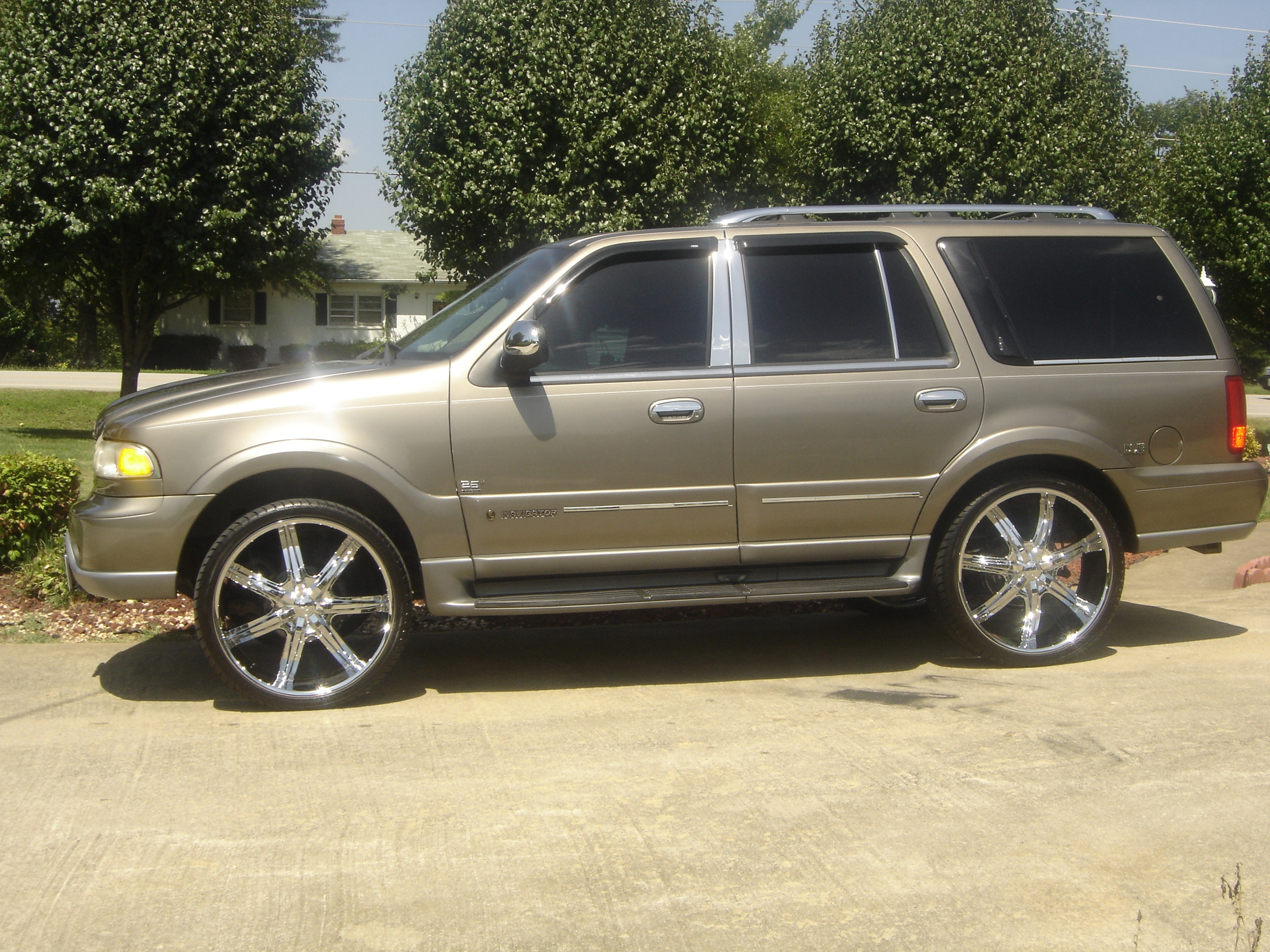 2002 lincoln navigator 1 photos informations articles bestcarmag com bestcarmag com