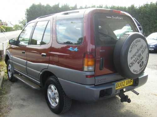 2002 Tata Safari #16
