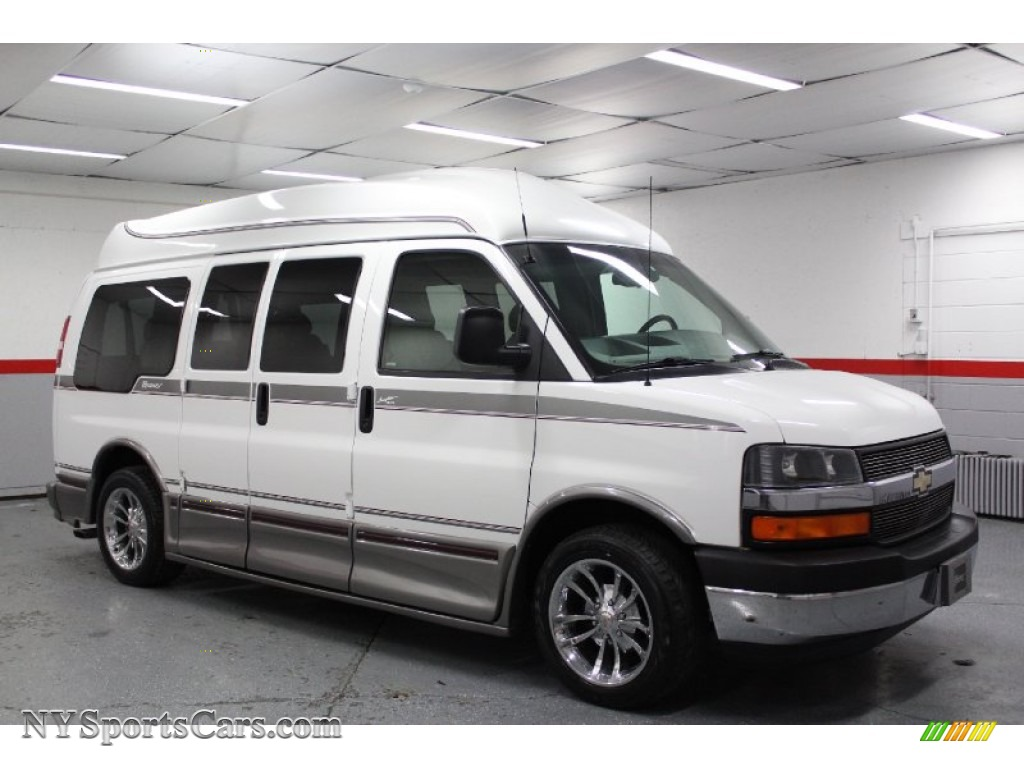 2003 Chevrolet Express Photos Informations Articles