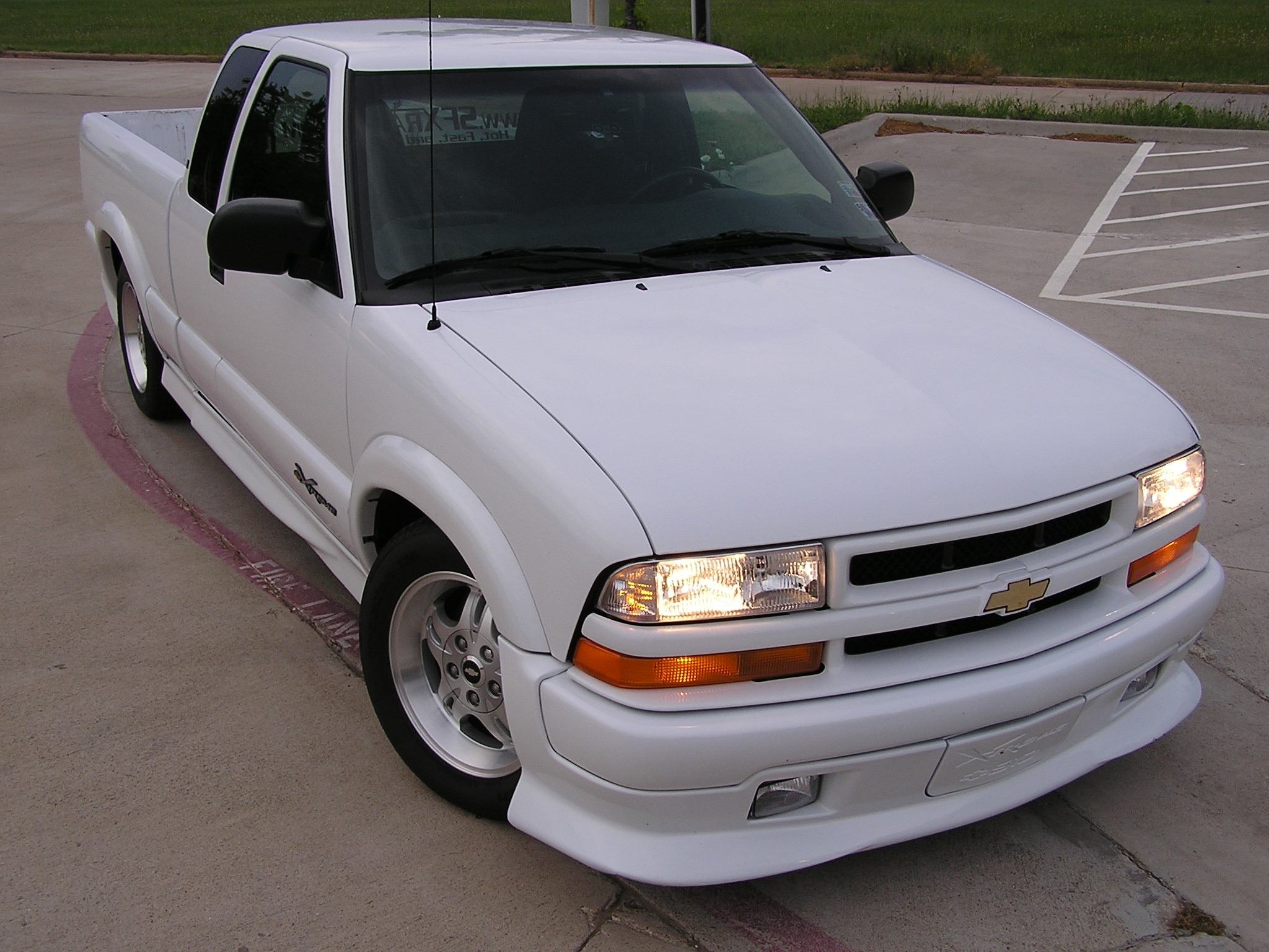 2003 Chevrolet S 10 Photos Informations Articles 2001 Chevy Blazer Wiring Diagram Parts 14