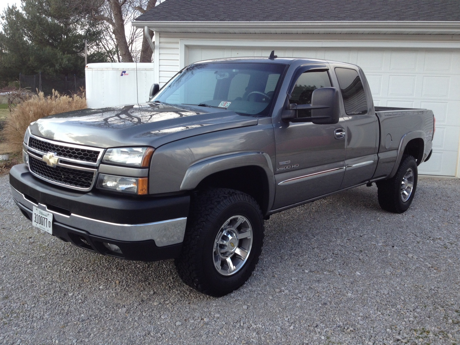 2003 chevrolet silverado 2500 photos informations articles. Black Bedroom Furniture Sets. Home Design Ideas