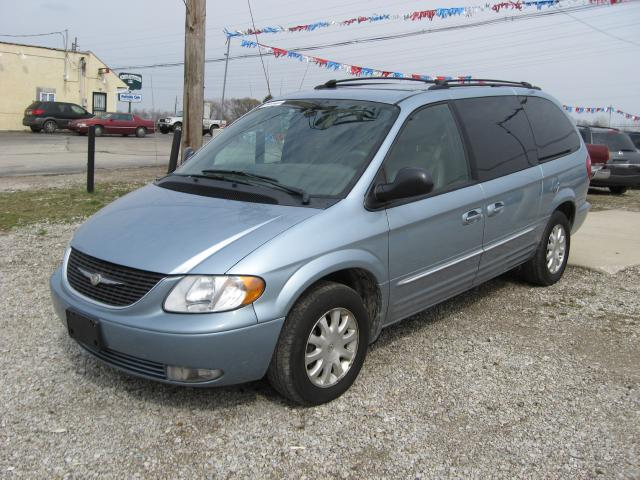 2003 town and country chrysler