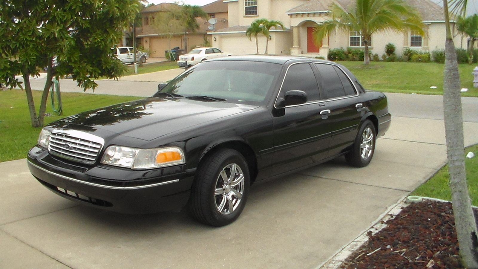 2003 Ford Crown Victoria #21