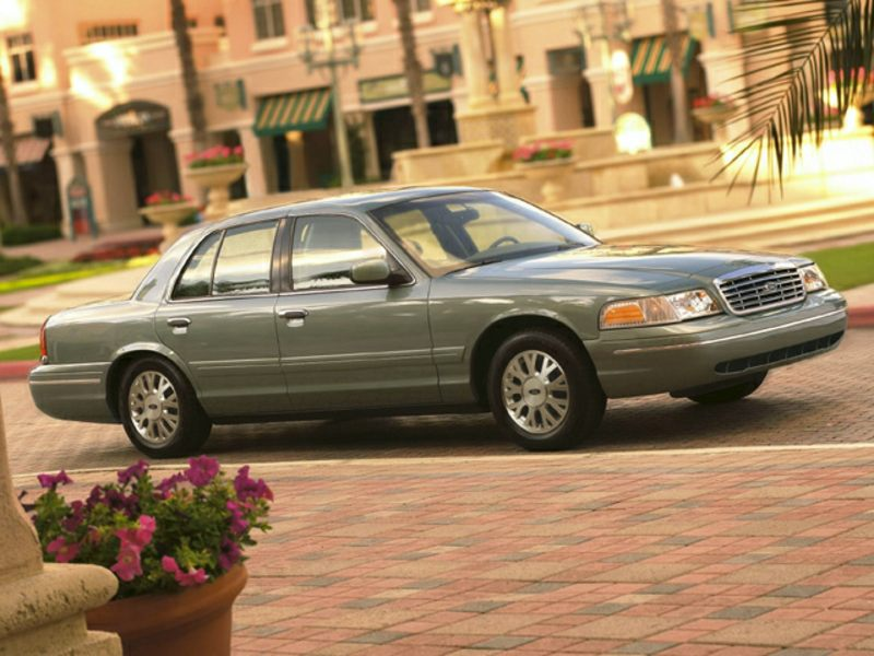 2003 Ford Crown Victoria #19