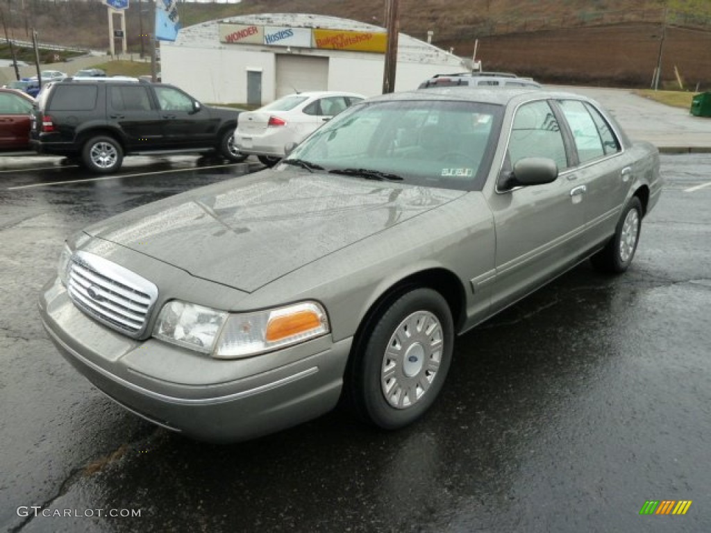 2003 Ford Crown Victoria #20