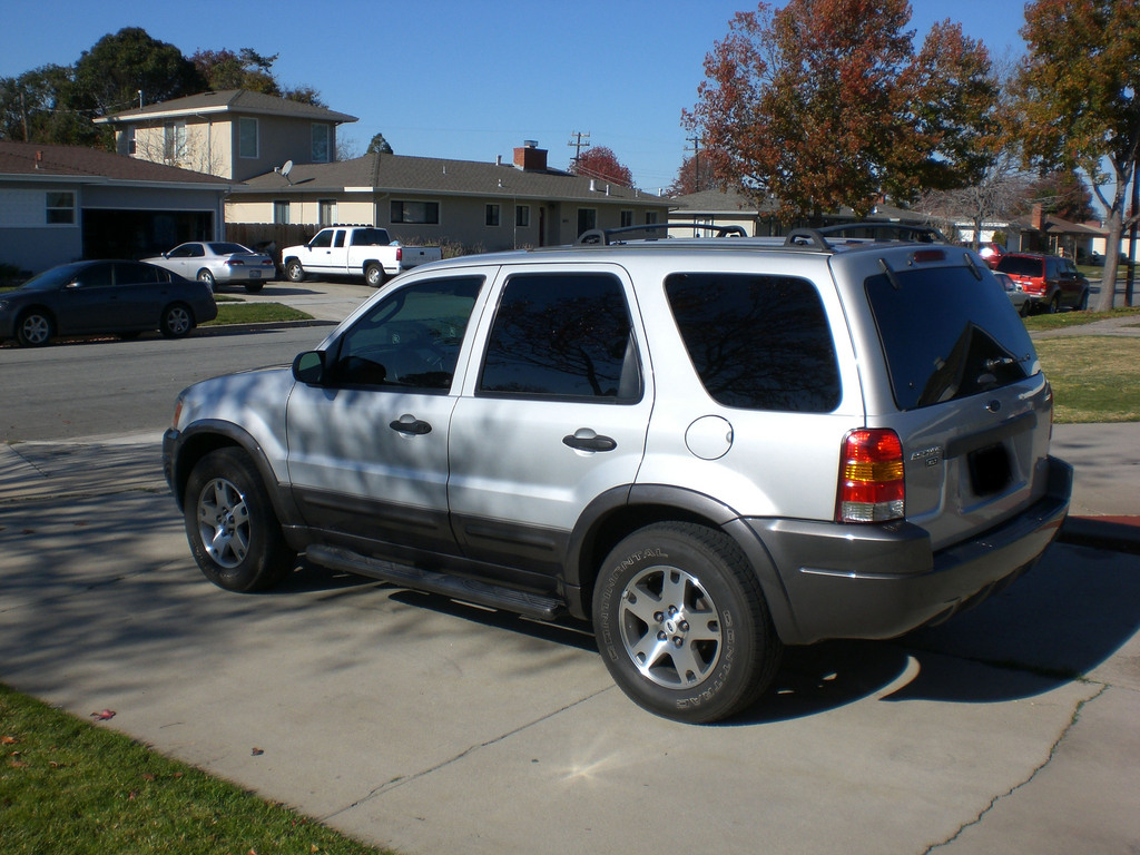 2003 Ford Escape #26