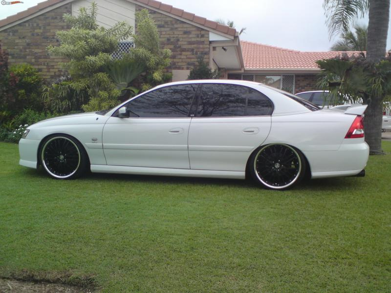 2003 Holden Berlina #19