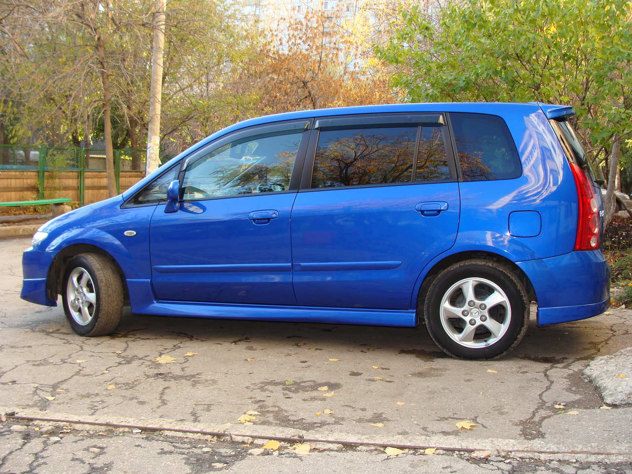 2003 mazda premacy photos informations articles. Black Bedroom Furniture Sets. Home Design Ideas
