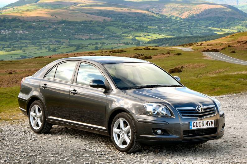 2003 toyota avensis photos informations articles. Black Bedroom Furniture Sets. Home Design Ideas
