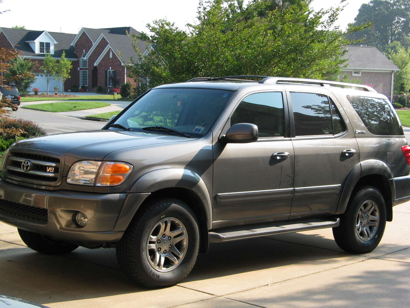 2003 Toyota Sequoia Photos Informations Articles 2004 Wheels 16