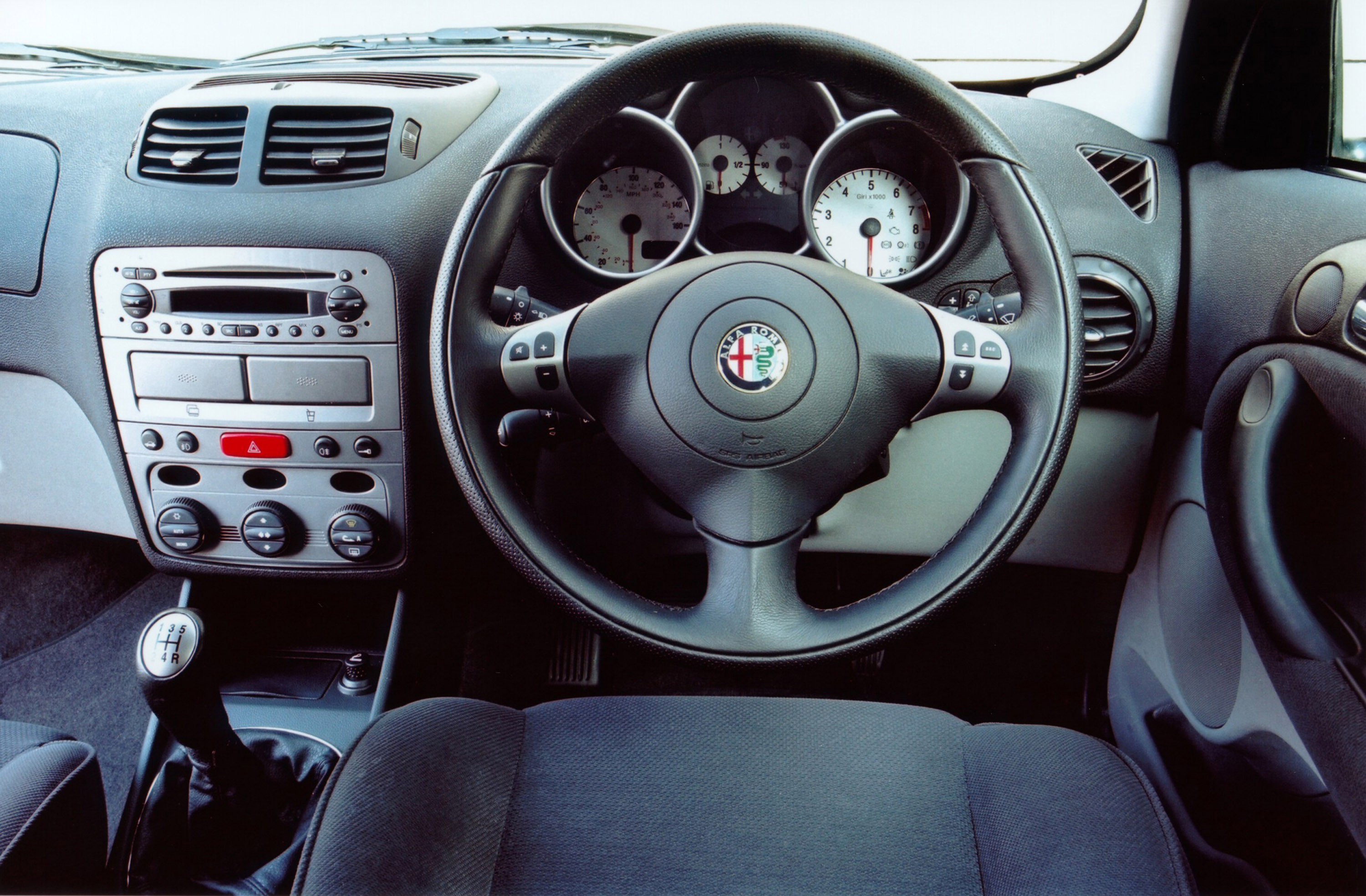 2004 Alfa Romeo 147 Photos Informations Articles Bestcarmag Com