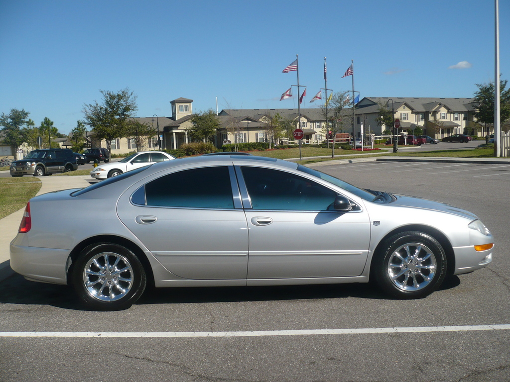 2004 Chrysler 300m #21