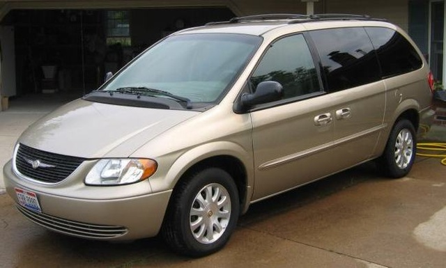 2004 Chrysler Town And Country #14
