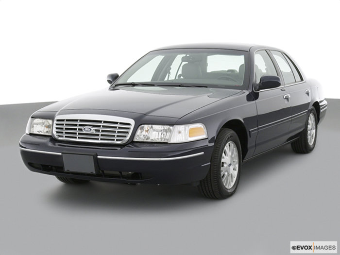 2004 Ford Crown Victoria #20