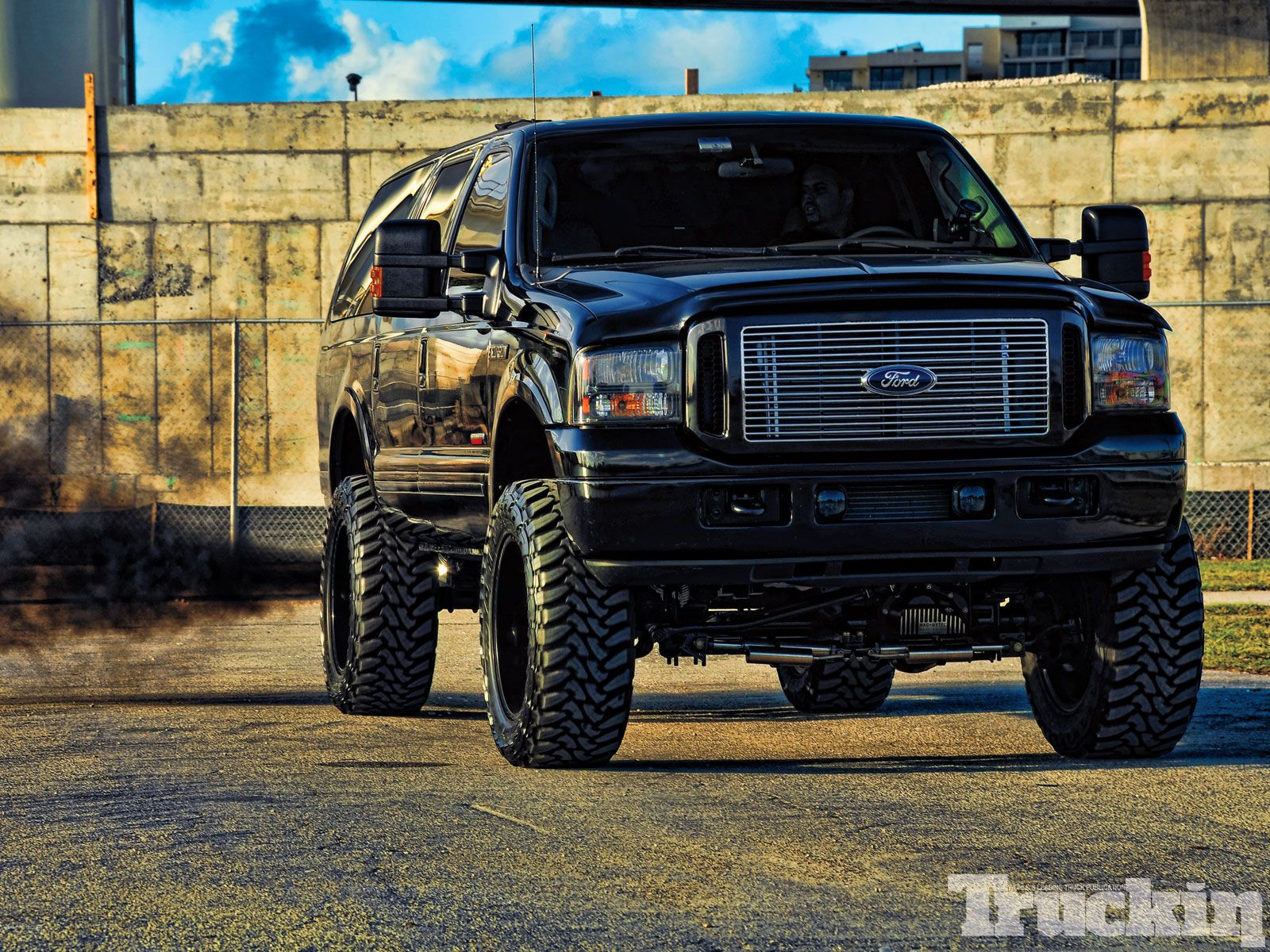 2004 Ford Excursion #23