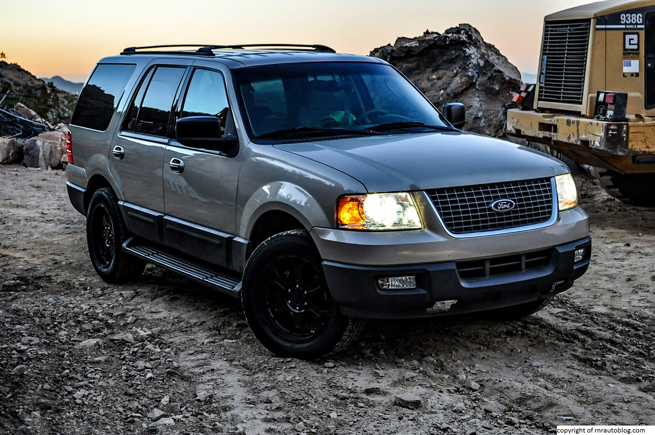 2004 Ford Expedition #16