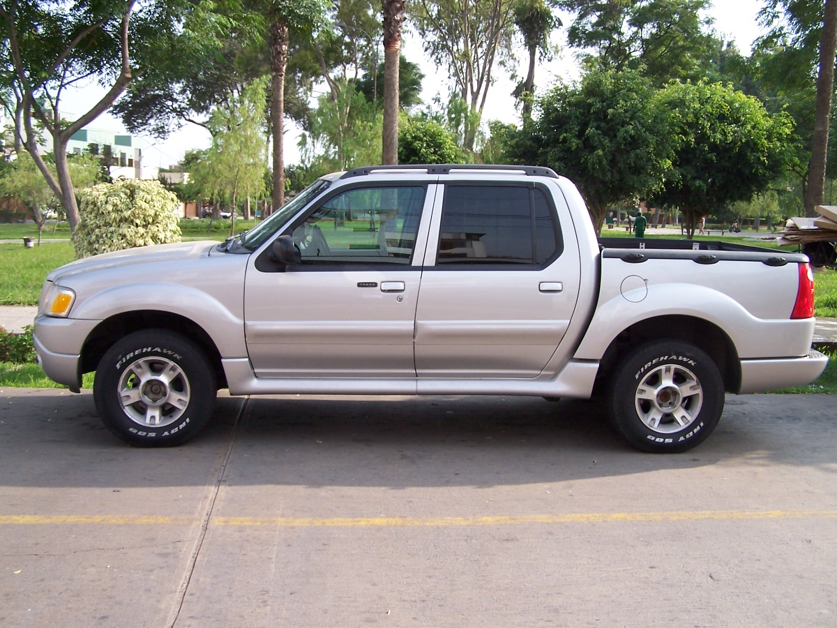 2004 Ford Explorer Sport Trac #24