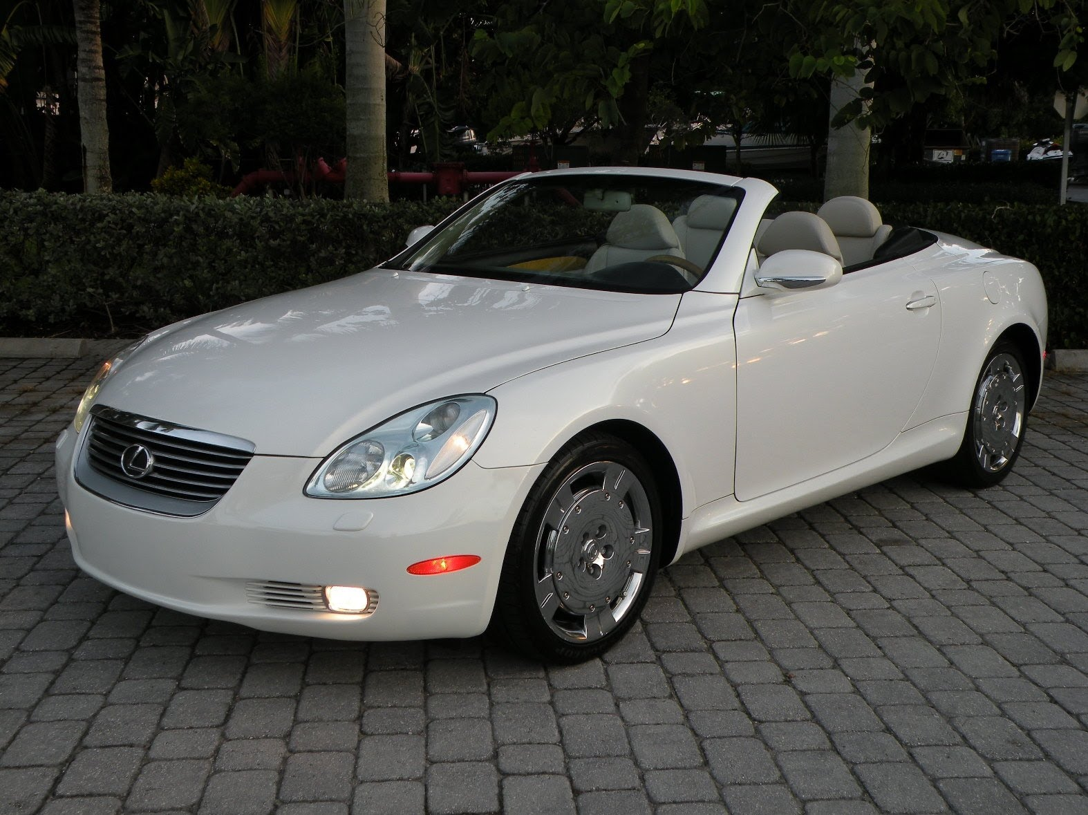 2004 lexus sc 430 photos informations articles. Black Bedroom Furniture Sets. Home Design Ideas