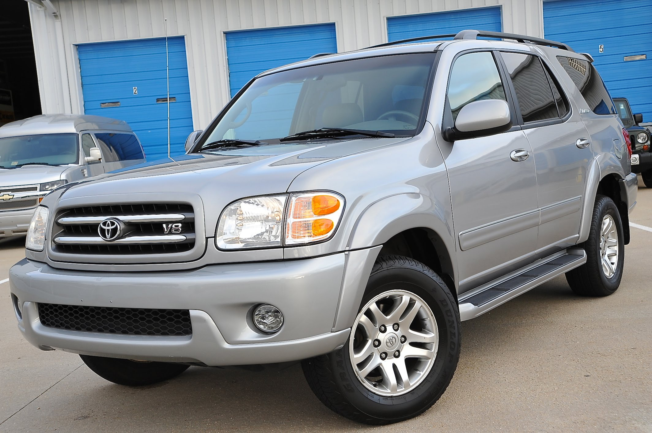 2004 toyota sequoia photos informations articles bestcarmag 2004 Toyota Sequoia SR5 Driver Side Airbag 2004 toyota sequoia 16
