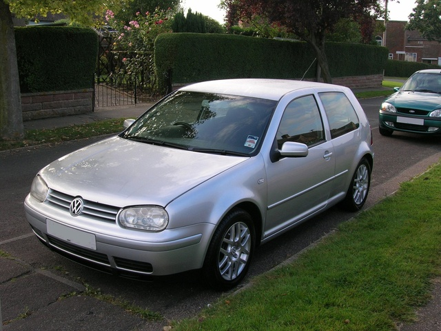 2004 Volkswagen Golf #20
