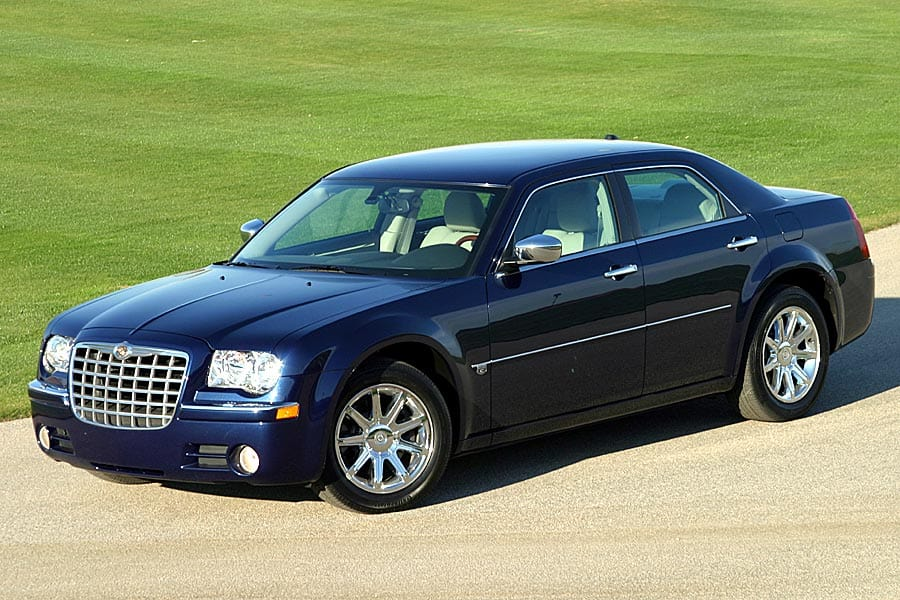2005 Chrysler 300 #16