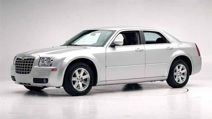 2005 Chrysler 300 #18