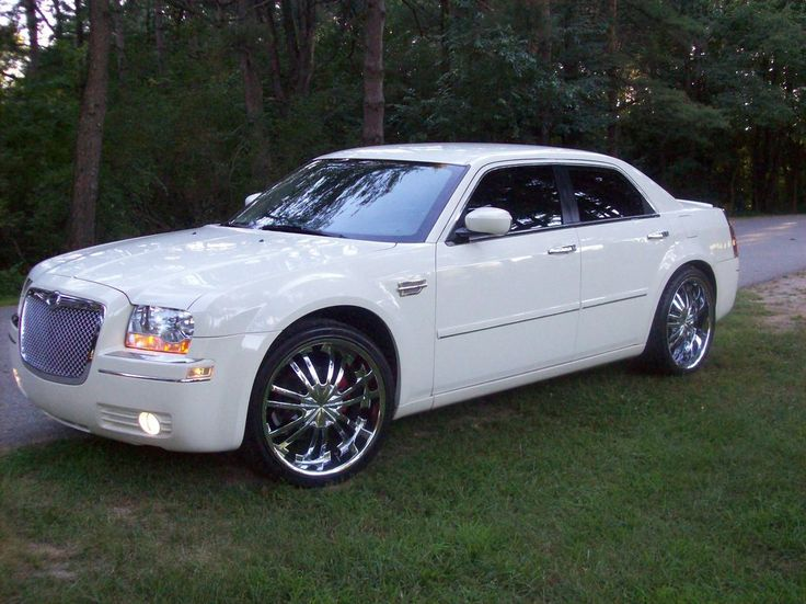 2005 Chrysler 300 #19