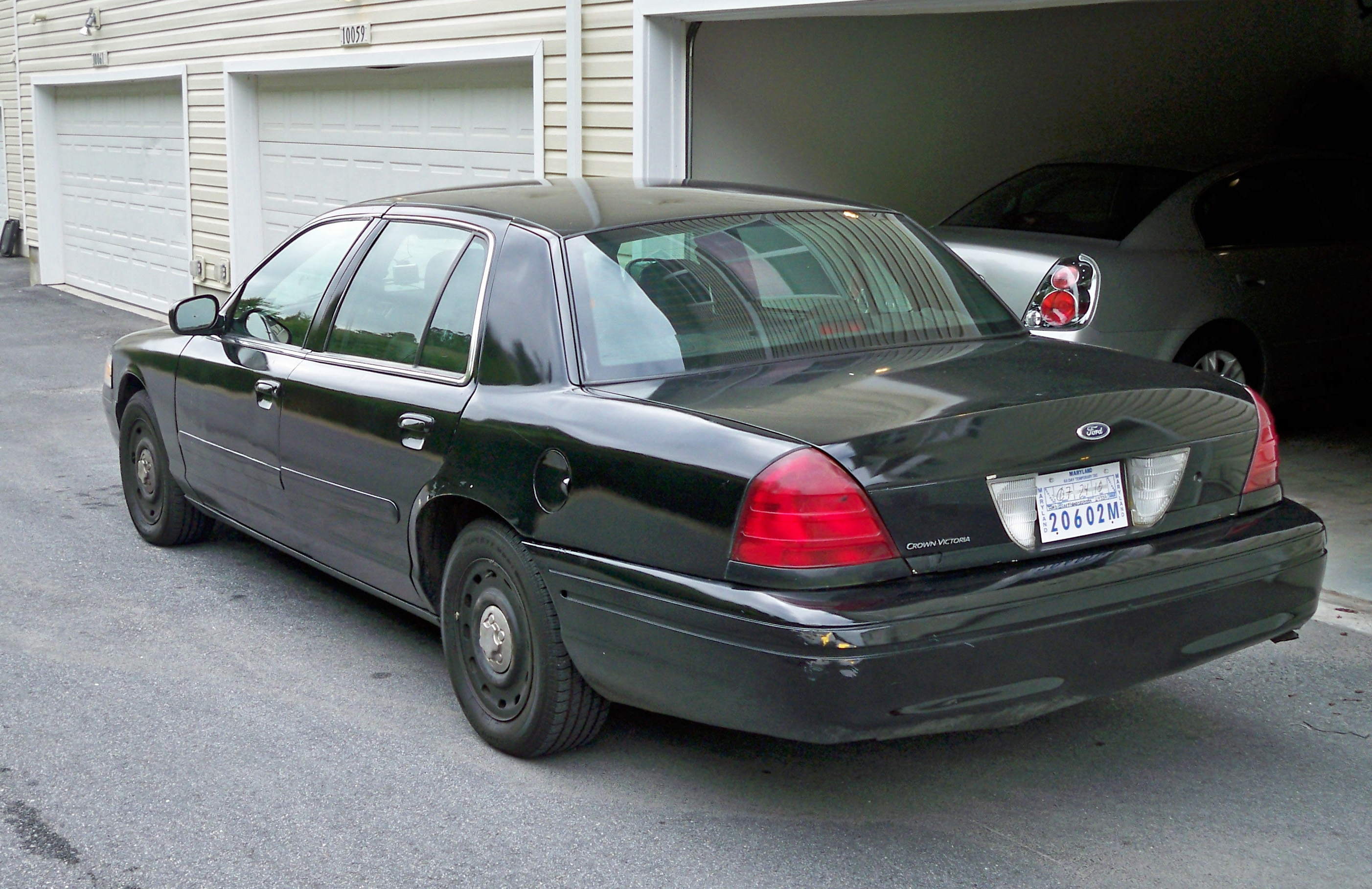 2005 Ford Crown Victoria #27