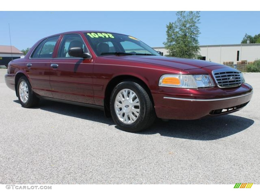 2005 Ford Crown Victoria #24