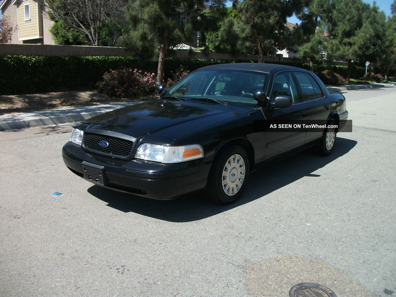 2005 Ford Crown Victoria #29