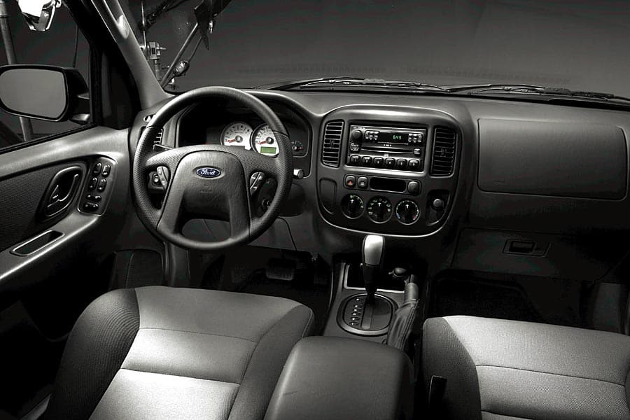 2005 Ford Escape #17
