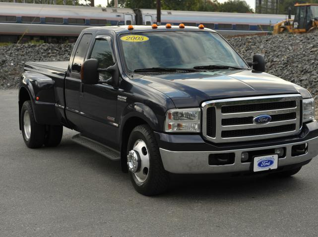 2005 Ford F-350 Super Duty #24