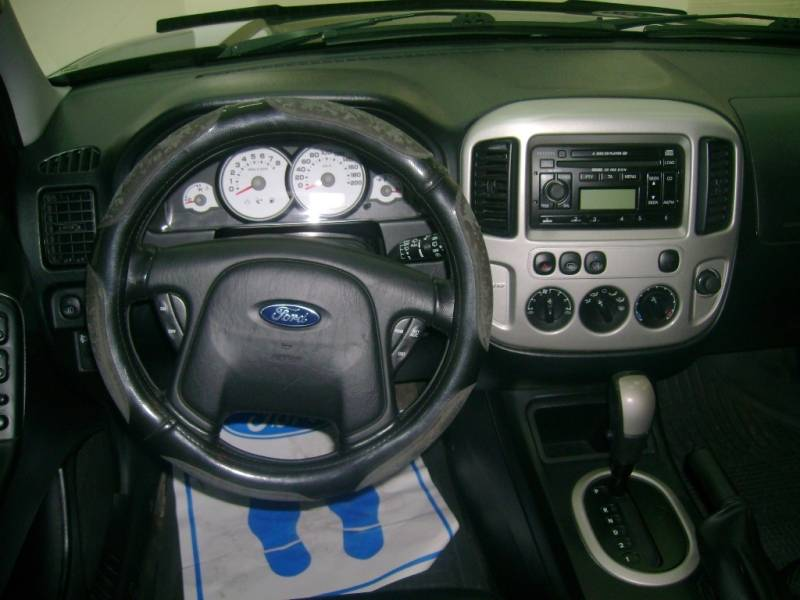 2005 Ford Maverick #19