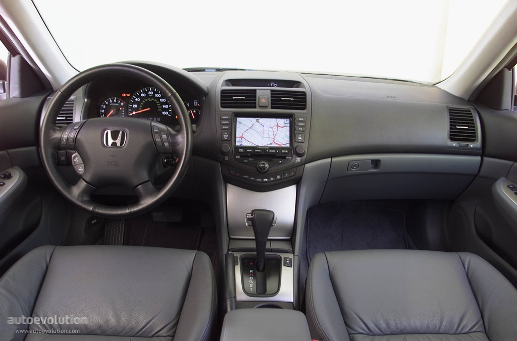 2005 Honda Accord #25