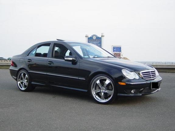 2005 mercedes benz c class photos informations articles for 2005 mercedes benz c class