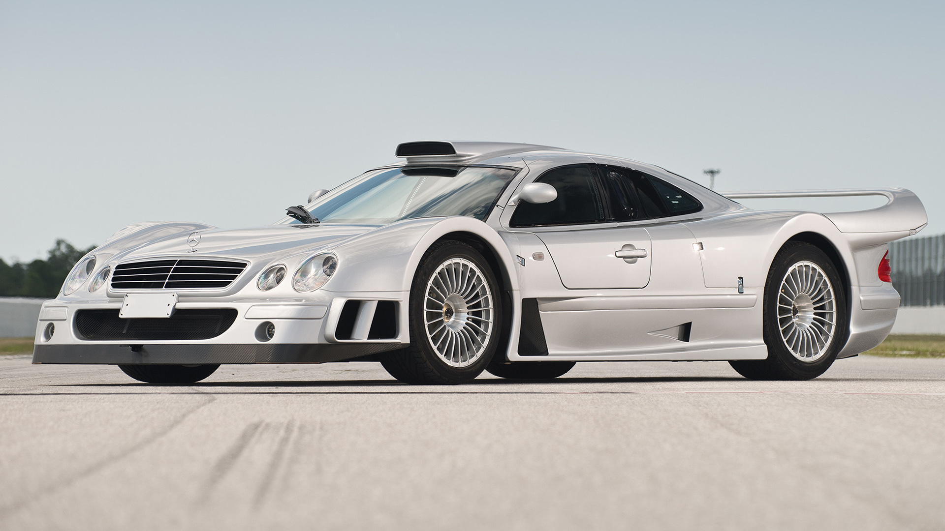 2005 mercedes benz clk gtr photos informations articles for Mercedes benz clk