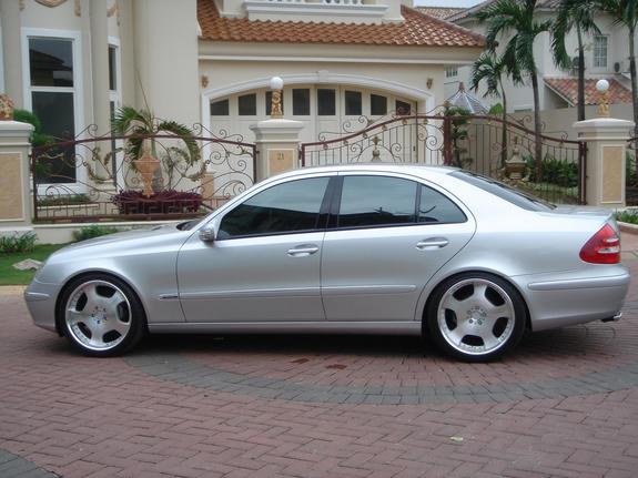 2005 mercedes benz e class photos informations articles for 2005 e320 mercedes benz