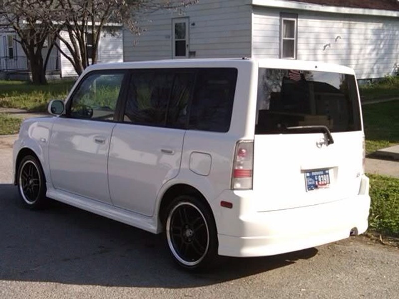 2005 Scion Xb #18