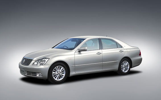 2005 Toyota Crown #13