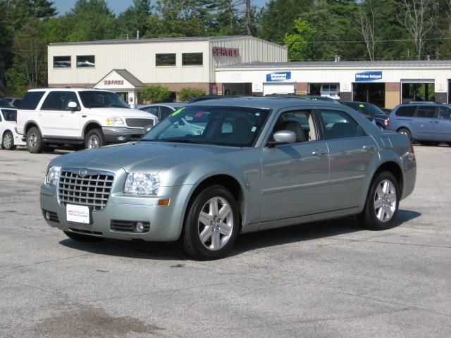 2006 Chrysler 300 #21