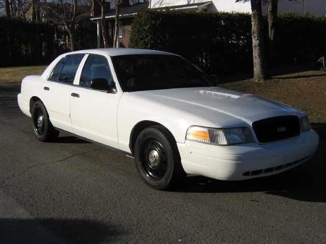 2006 Ford Crown Victoria #21