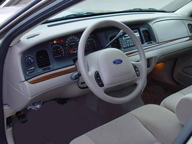 2006 Ford Crown Victoria #22