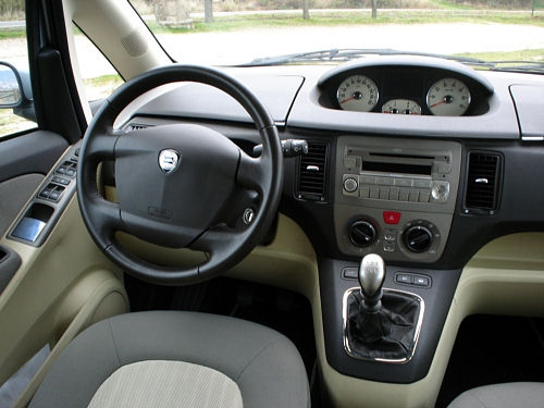 2006 lancia musa photos informations articles. Black Bedroom Furniture Sets. Home Design Ideas