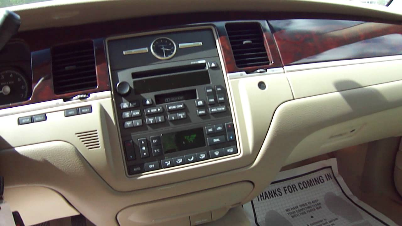 2006 Lincoln Town Car Photos Informations Articles Bestcarmag Com